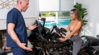 Brazzers – The Hammer Down Rubdown
